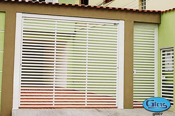 PORTÃO MODELO GL 07<div style='clear:both;width:100%;height:0px;'></div><span class='desc'>em aço tubular 30x20 na horizontal c/ vão de luz de (4 cm) .</span>