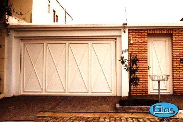 Foto de casa com portão